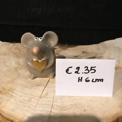 Muis met gouden hartje 6cm